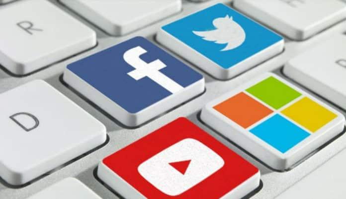 redes sociales peritos informaticos
