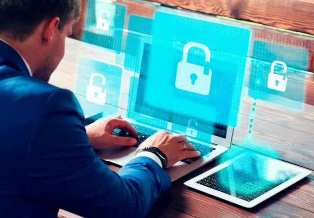 Peritos informaticos - robo datos empresa